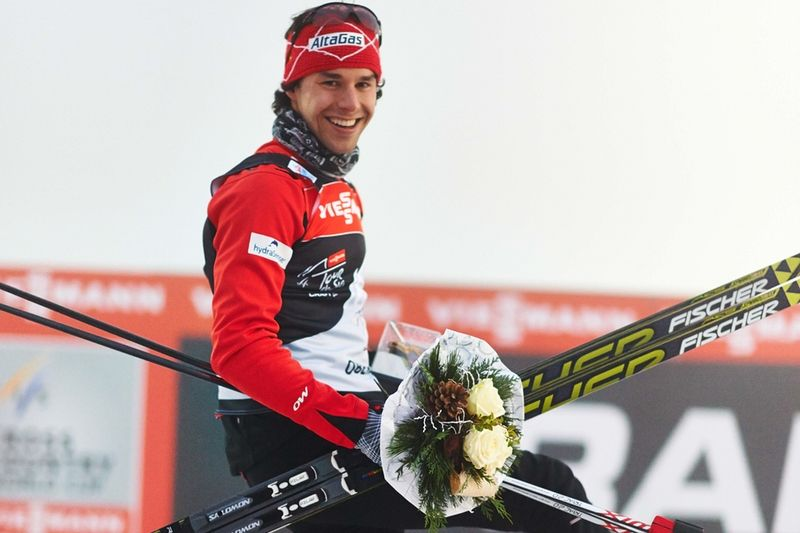 Alex Harvey öppnade Tour de Ski med seger närmast före landsmannen Devon Kershaw. FOTO: Felgenhauer/NordicFocus.