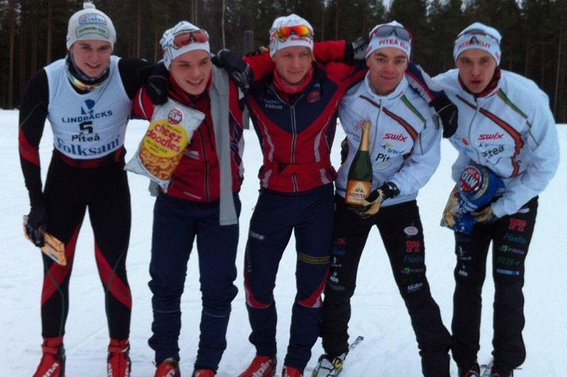 Glada killar efter testrace inför Skandinaviska cupen vid Lindbäcksstadion. FOTO: Jenny Axelsson.