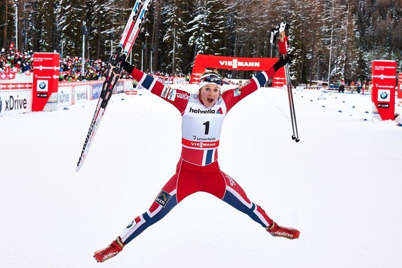 Så här glad blev Ingvild Flugstad efter segern i Lenzerheide. FOTO: Felgenhauer/NordicFocus.
