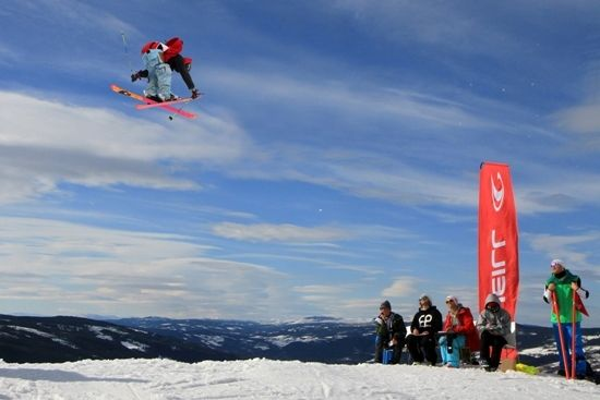 Skiakrobatikk i Hafjell Foto Jørgen Skaug