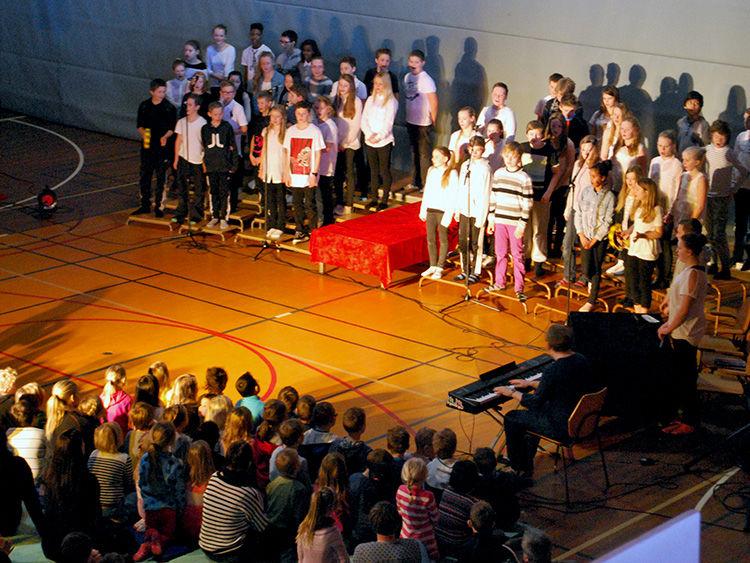 Fremføring av Husabø skole