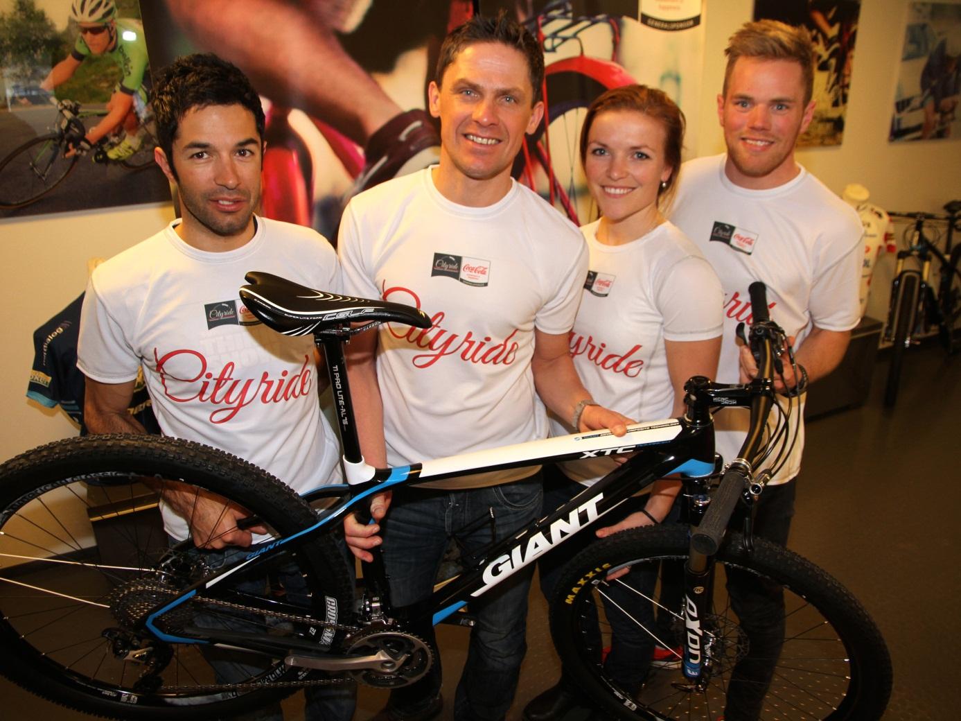 KJENTE GUIDER: Team Cityride og noen av landets fremste syklister fronter det ny