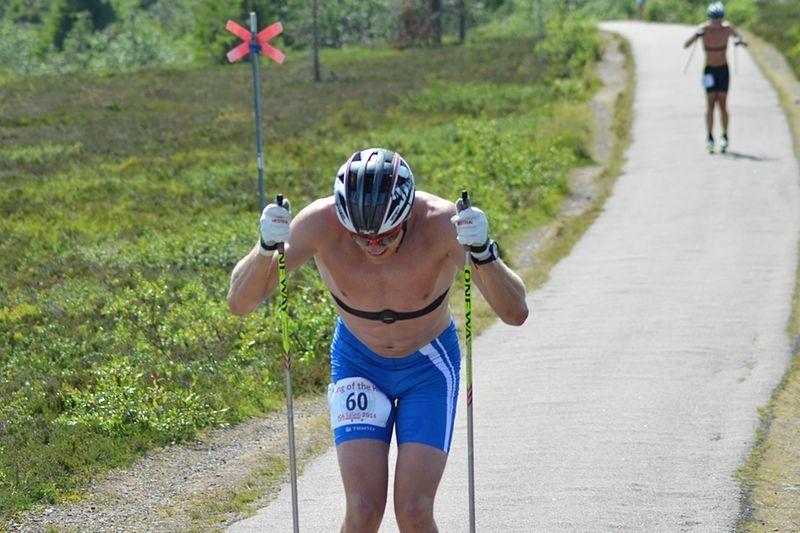 Lars Suther på väg mot målet på Östfjället strax före Viktor Thorn. FOTO: Johan Trygg.