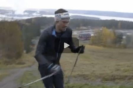 Johan Olsson pressar sig upp för Södra Berget och tänker på sina konkurrenter. FOTO: Video Adressavisen/Sundsvalls Tidning.