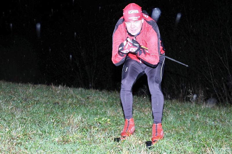 Morgan Tärning är beredd att ta rullskidorna nerför slalombacken om det blir fullt i Tour de Mösseberg före 1 december. FOTO: Falköpings AIK Skidor.