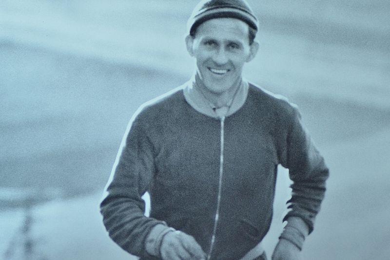 Sixten Jernberg på träningstur i Lima-trakten. Bilden finns på Sixten Jernbergs Museum vid Limedsforsen. FOTO: Johan Trygg/Längd.se.