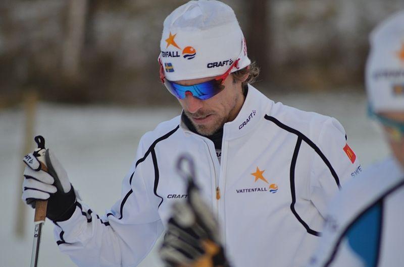 Johan Olssons gamla revbensskada stoppar honom från start i Vasaloppet. FOTO: Johan Trygg/Längd.se.