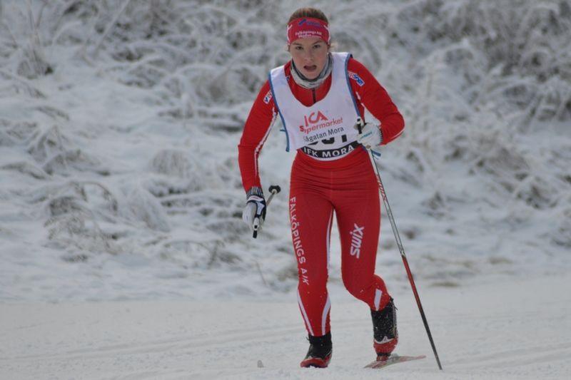 Falköpings Johanna Hagström vann sprinten i D 17-!8-klassen Idre. FOTO: Johan Trygg/Längd.se.