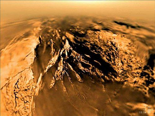 Titan sett fra Huygens under landing