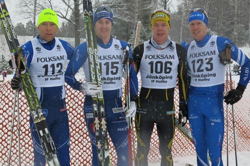 Tätkvartetten i Hallbyloppet. Dan Moberg tvåa, segerherren Patrik Johansson, trean Martin Gotting och fyran Oskar Lund. FOTO: IF Hallby SOK.