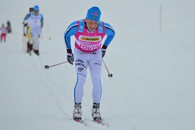 Bill i ensam ledning på väg mot seger. Här har han precis passerat damtäten. FOTO: Johan Trygg/Längd.se.