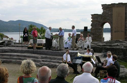 Avduking av kirkemodellene. Foto: Tor Øystein Olsen 210805