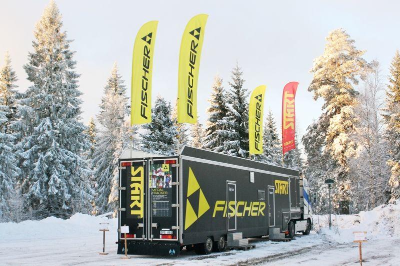 Sportmarket presenterar sin nya servicetrailer för Fischer/Start lagom till veckans SM i Ånnaboda. FOTO: Sportmarket.