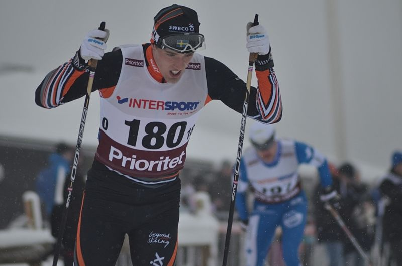 Calle Halfvarsson spurtade hem sitt första SM-guld på 50 km i Kalix. Här är Calle vid SM i Ånnaboda där han vann 15 km. FOTO: Johan Trygg/Längd.se.
