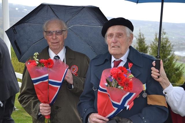 Minnemedaljer, Gudbrand Skjønsberg og Ola T Rybakken, Foto Cathrine Lie.jpg