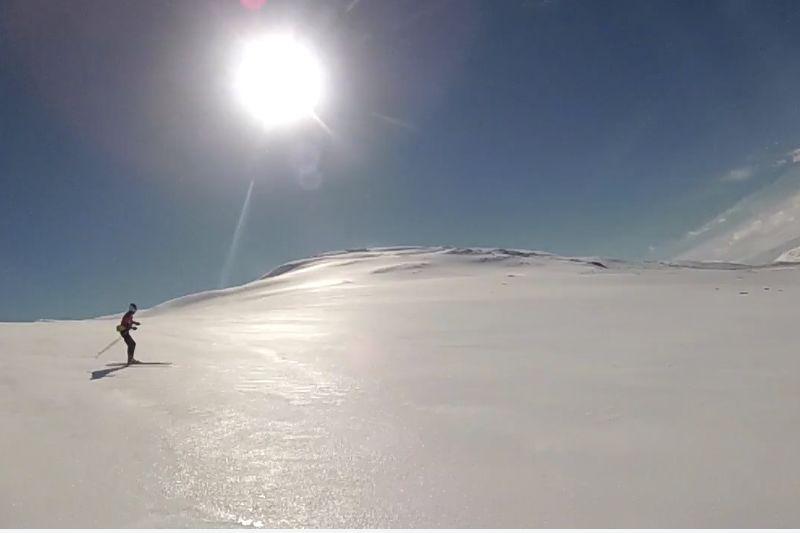 Strålande förhållanden för skarskidåkning i Stekenjokk i maj. FOTO: Video Northsport.
