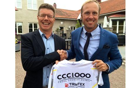 Till höger Fredrik Erixon, grundare av CCC1000, tillsammans med Tomas Lindqvist, VD för Högbo Brukshotell. FOTO: CCC1000.