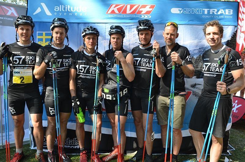 Lager 157 Ski Team startar tränings- och materialbloggen 157 Training. Sportchefen Anton Järnberg, längst till höger är ansvarig. FOTO: Johan Trygg/Längd.se.