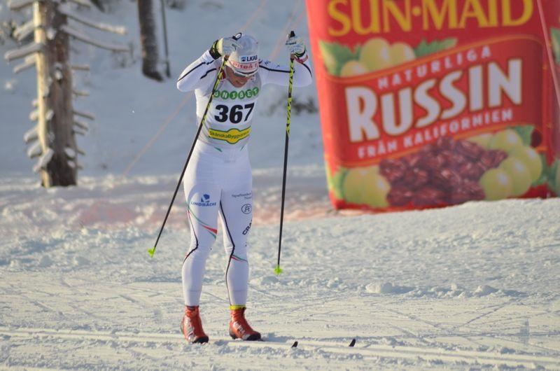 Kalla på väg ut på sprintvarvet med kraftfull stakning. FOTO: Johan Trygg/Längd.se.