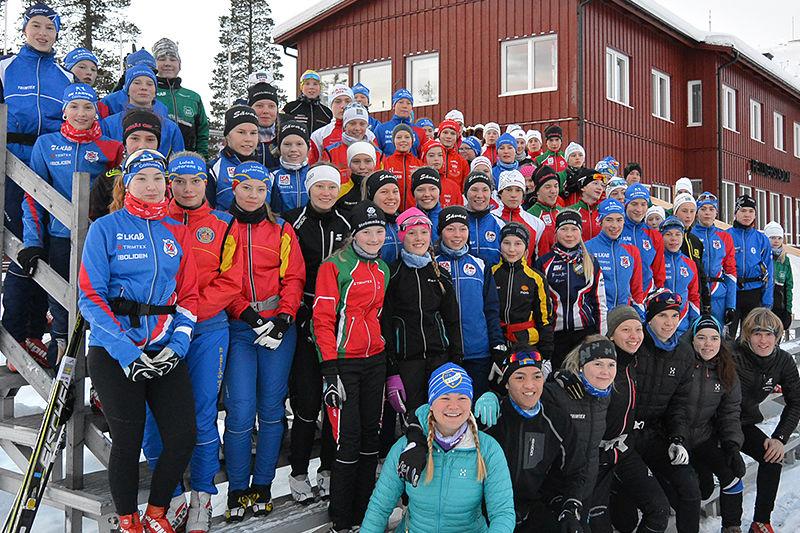 66 lovande skidungdomar deltog på Vinterskidskolan i Gällivare i helgen. FOTO: Daniel Sonntag.