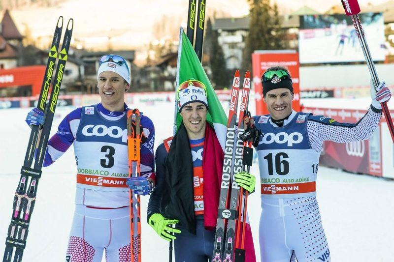 Andrew Young trea, Federico Pellegrino etta och Simeon Hamilton tvåa. Inte varje dag en världscuppall i längdåkning består av åkare från Storbritannien, Italien och USA. FOTO: Modica/NordicFocus.