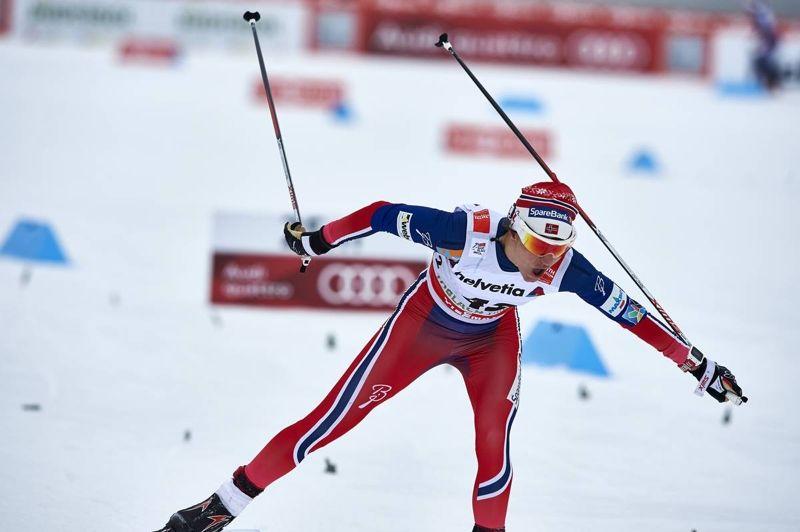 Heidi Weng tog en efterlängtad seger när hon spurtade ner tourledaren Ingvild Flugstad Östberg. FOTO: Felgenhauer/NordicFocus.
