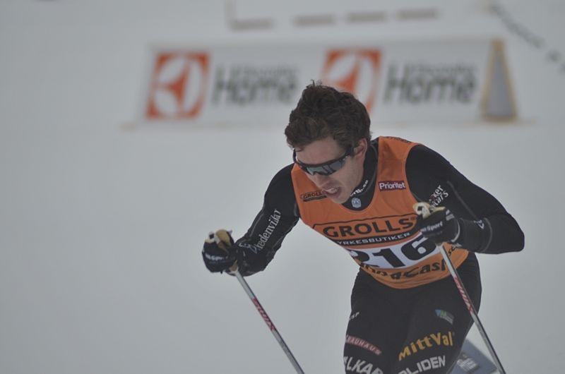 Marcus Hellner krigade sig till ett SM-silver i sin tävlingscomeback. FOTO: Johan Trygg/Längd.se.