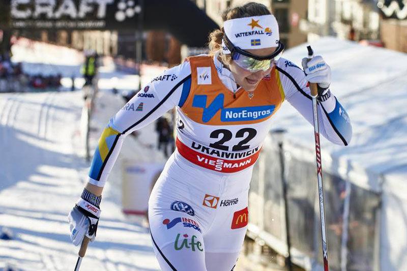 Stina Nilsson tillsammans med Ida Ingemarsdotter och Maria Rydqvist tvingas avbryta Ski Tour Canada på grund av förkylning. FOTO: NordicFocus.