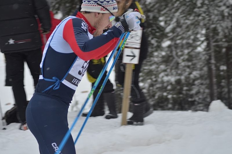 Anton Karlsson tog hem sprinten i Skellefteå närmast före Karl-Johan Westberg. FOTO: Johan Trygg/Längd.se.