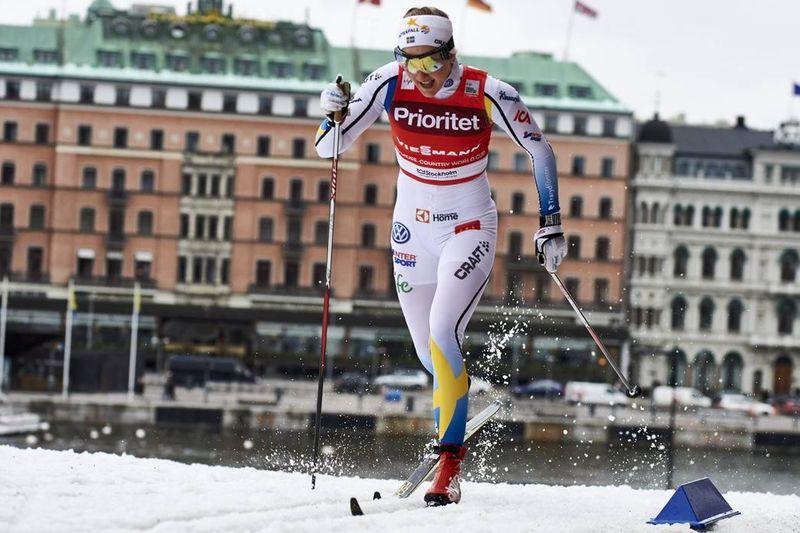Stina Nilsson var bästa svenska som trea på världscupsprinten i Stockholm. Här är Stina under prologen. FOTO: NordicFocus.
