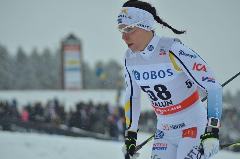 Charlotte Kalla slutade som nia vid världscupens 10 km klassiskt i Falun. Kalla öppnade starkt men föll tillbaka. FOTO: Johan Trygg/Längd.se.