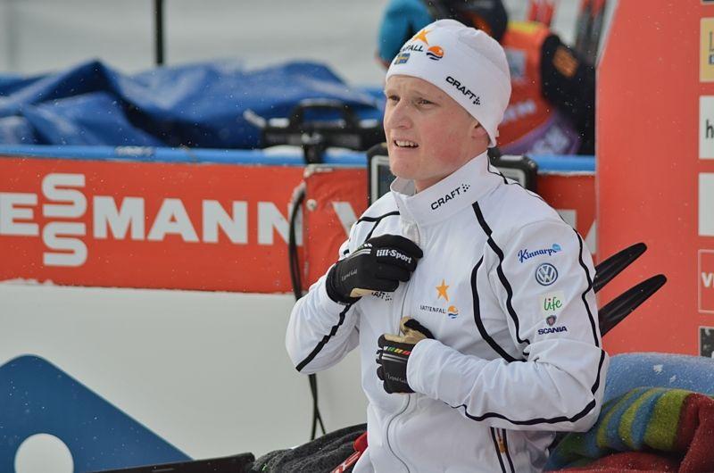 Jens Burman blev bäste svenske herråkare i Falun och fick sitta en stund i ledarfåtöljen. FOTO: Johan Trygg/Längd.se.