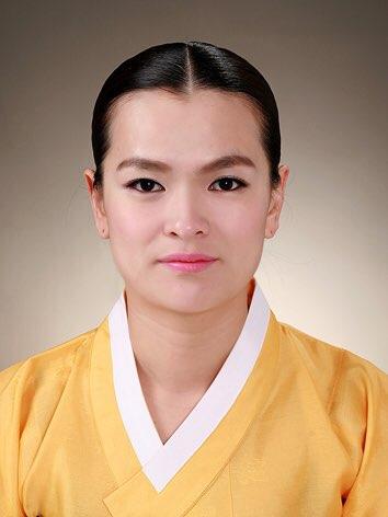 Kim Min Ji.jpg