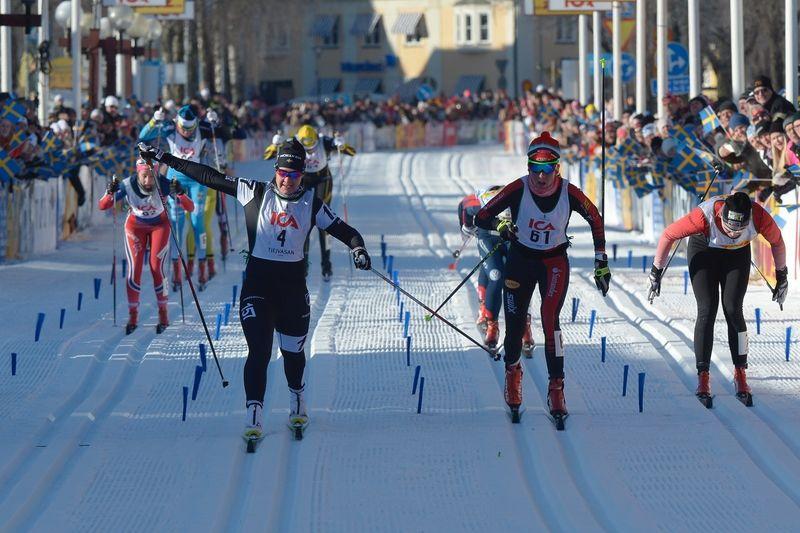 Britta Johansson Norgren, Sollefteå Skidor IF, vann Tjejvasan 2016 före Katerina Smutna, Österrike, och Julia Svan, Vansbro AIK SK! Britta har de tre senaste åren varit fyra, tvåa och fyra i Tjejvasan. Men i dag kom alltså hennes första seger. FOTO