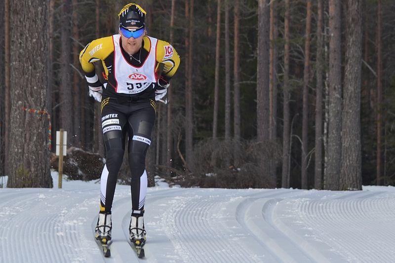 Jens Eriksson på Halvvasan i vintras. Första loppet efter skadan. FOTO: Johan Trygg/Längd.se.