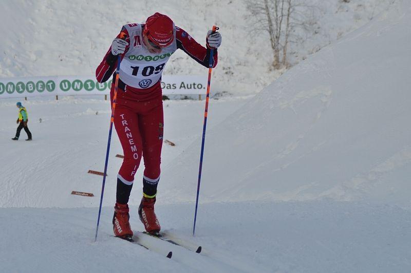 Markus Jönsson vann Ulricehamnsloppet efter en tät spurt mot Joakim Lindberg och Johannes Eklöf. FOTO: Johan Trygg/Längd.se.
