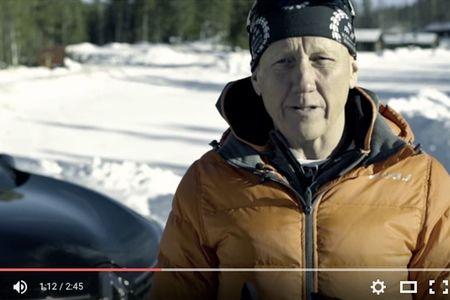 Michael Thorén, VD för En Svensk Klassiker, ger tipset att inte tänka på sluttiden om du ska åka Vasaloppet på söndag. FOTO: Video Renault Sverige.