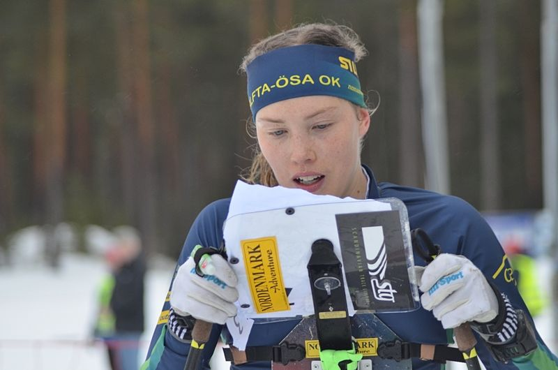 Tove Alexandersson vann guld på dagens sprint-SM i skidorientering i Älvsbyn. Bilden från SM-tävlingarn i Älvdalen tidigare i vinter. FOTO: Johan Trygg/Längd.se.