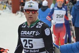 Oskar Svärd direkt efter målgång på sitt sista Vasalopp som elitåkare. Tre gånger vann Oskar den svenska långloppsklassikern. FOTO: Johan Trygg/Längd.se.