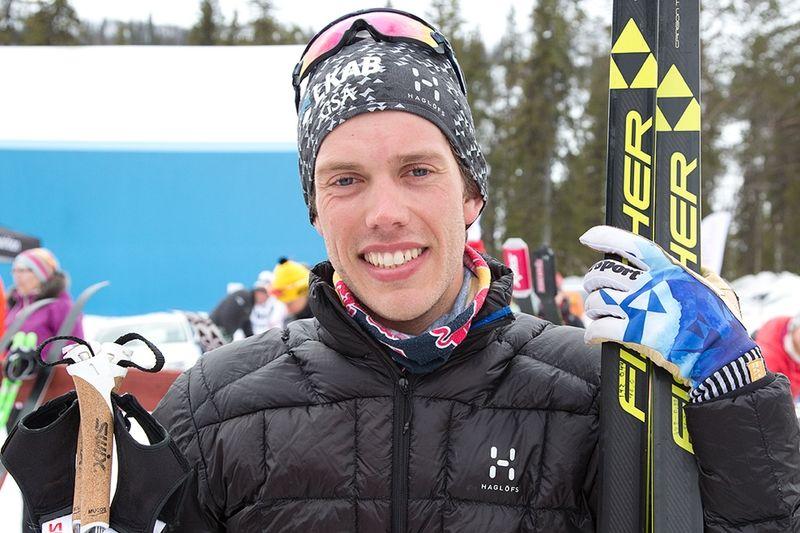 En glad Marcus Hellner sedan han grejat femmilsguld hemma på Hellnerstadion. FOTO: Michael Renström, Imega Promotion.