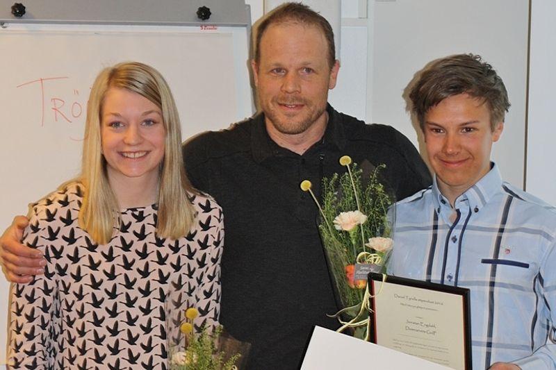 Moa Olsson och Jonatan Engdahl har tilldelats Daniel Tynells stipendium för sina prestationer och sin inställning i och kring skidspåren. FOTO: teamtynell.se.