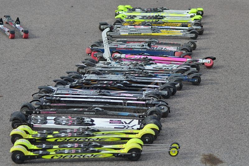 15 klassiska modeller fanns med när Längd.se testade rullskidor i samarbete med Huselius Skidsport. FOTO: Johan Trygg/Längd.se.