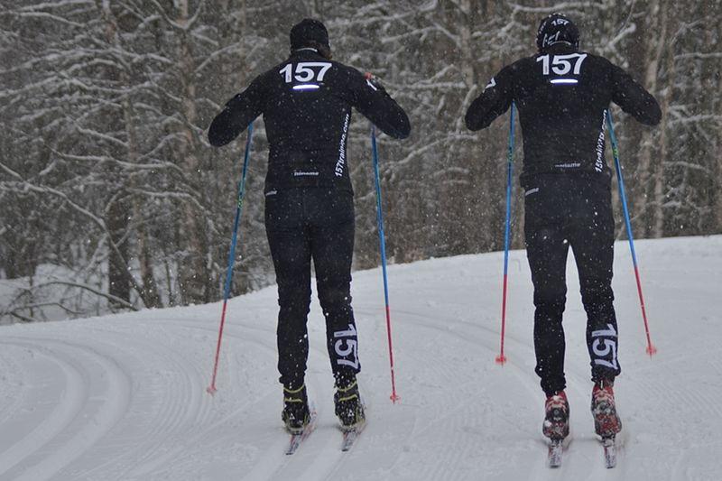 För att ta upp kampen med Norge har Lager 157 Ski Team bjudit in till öppet elitläger i Orsa Grönklitt. Bilden från teamets förberedelser inför gångna vinterns Vasalopp. FOTO: Johan Trygg/Längd.se.