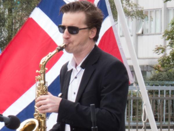 Kenneth Stoknes på saksofon