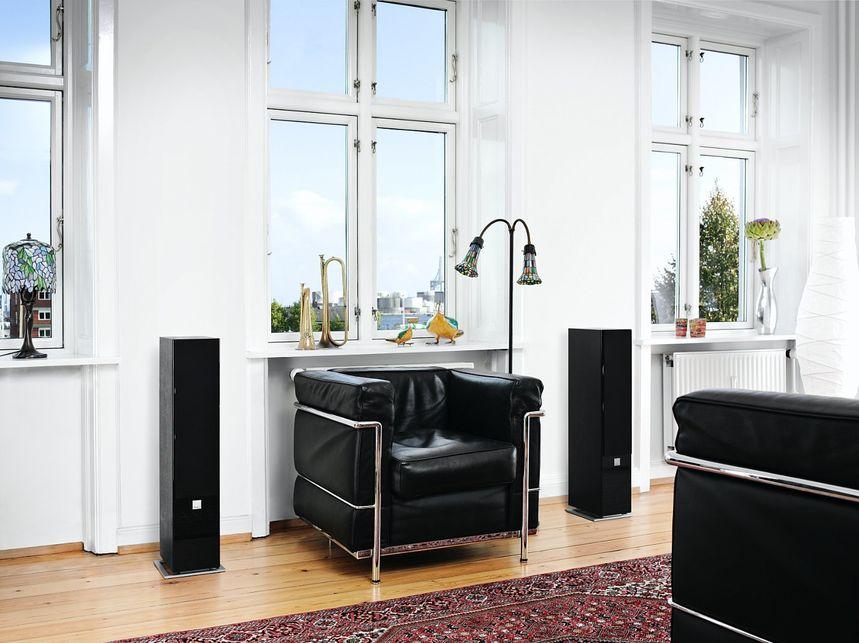 zensor-5-black-interior-3