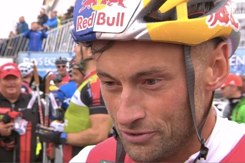 Petter Northug spurtade hem segern i Blink Classics efter sex mil på regnvåta vägar. FOTO: NRK:s sändning.