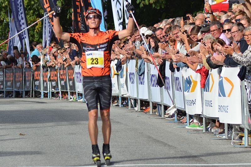 Petter Eliassen soloåkte till seger i Alliansloppet. Precis som han brukar göra på vintern. FOTO: Johan Trygg/Längd.se