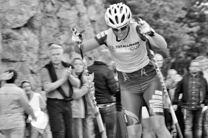 Malungs IF:s Sandra Olsson är en av fyra svenska ledare av världscupen på rullskidor inför avslutningstävlingarna i italienska Trento i helgen. FOTO: Längd.se.