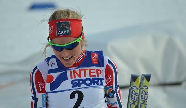 Therese Johaug vann två minuter före Marit Björgen på torsdagskvällens backrace på rullskidor utanför Oslo. FOTO: Johan Trygg/Längd.se.