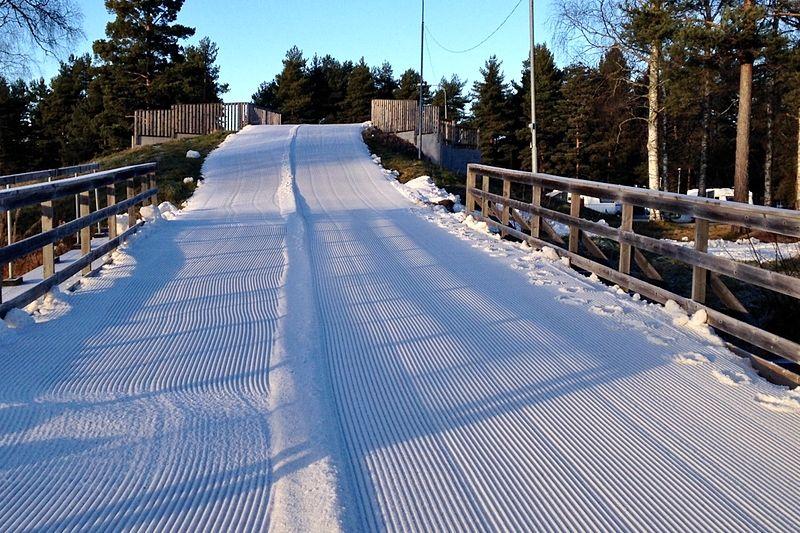 10–12 november öppnar Vasaloppsarenan för skidåkning i Mora med sparad snö.